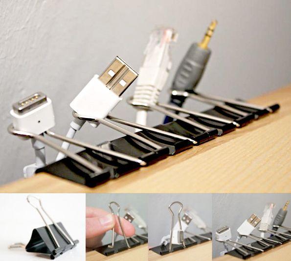 Astuce rangement diy utiliser des pinces dessin pour - Rangement cables electriques ...