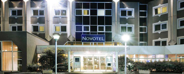Hôtel Novotel #ClermontFerrand de nuit http://www.hotel-novotel-clermontferrand.com