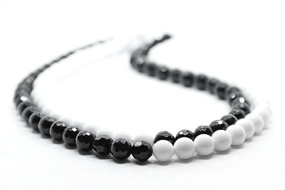 Black Agate & White Agate Beaded Necklace by Femalehappiness