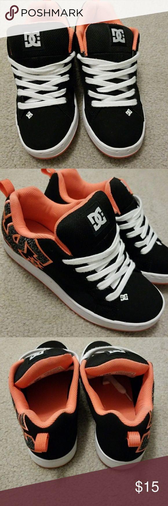 DC Skate shoes size 6W DC Skate shoes size 6W DC Shoes