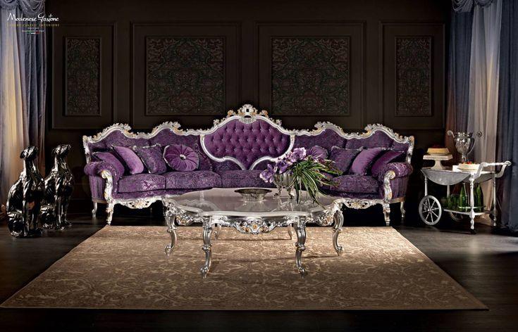 Luxury-classic-interiors-design-upholstered-and-padded-coach-Villa-Venezia-collection-Modenese-Gastone.jpg - Divano viola con schienale centrale a capitonne