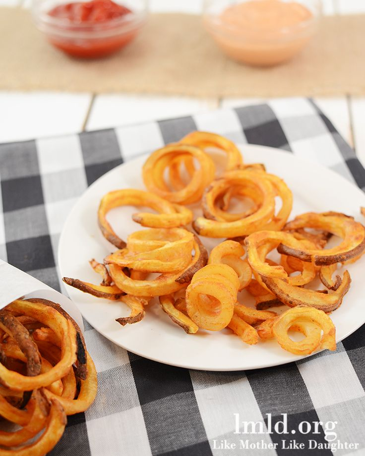 Oven Baked Curly Fries - These delicious curly fries taste just like Arby's Curly Fries, made at home in your oven!
