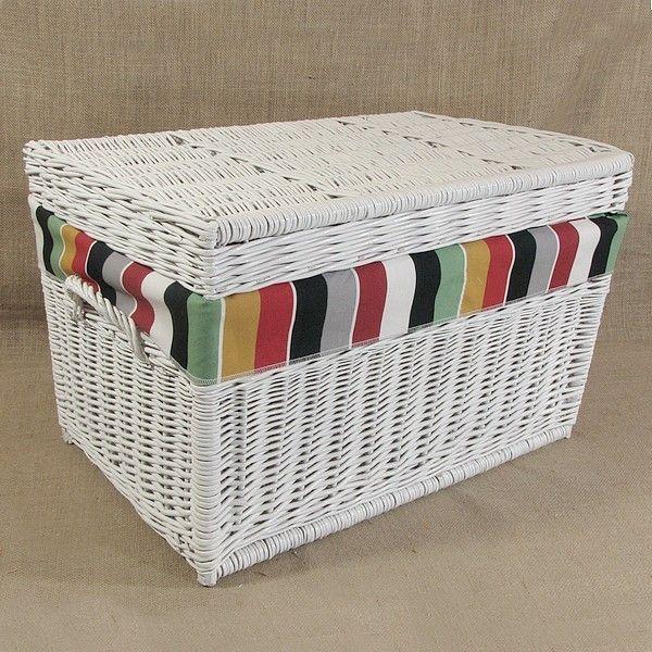 Wiklinowy kufer z płaskim wiekiem - biały z obszyciem (HELSINGE)