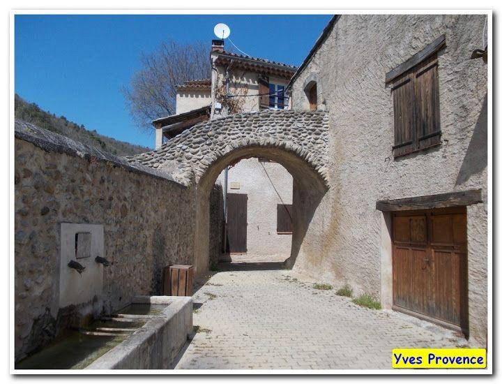 Le Castellet, commune d'Oraison Le castellet, Alpes de