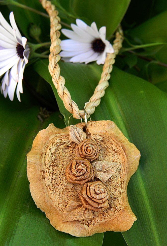 Banana fiber necklace