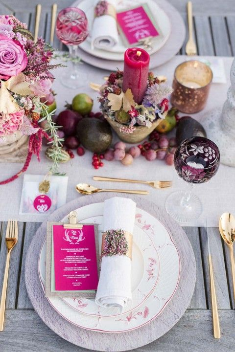 Marsala-Traum: Eine Lovestory auf der herbstlichen Heide Julia Schick http://www.hochzeitswahn.de/inspirationsideen/marsala-traum-eine-lovestory-auf-der-herbstlichen-heide/ #weddinginspiration #purple #wedding