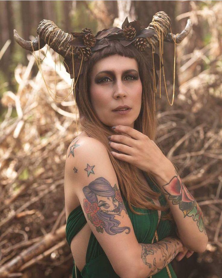 @eve_lastrange Looks amazing in this shot wearing Autumn Oak with a styled blunt fringe  #lushwigs #wig #ombre #lushwigsautumnoak Lushwigs.com (link in bio)
