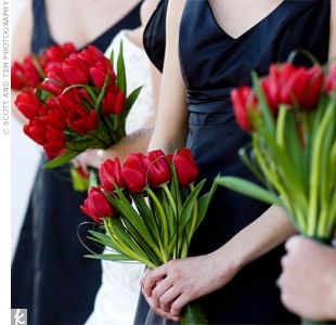 Bridesmaid tulips bouquet - http://www.weddinglands.com/product/images/product/5_4581.jpg