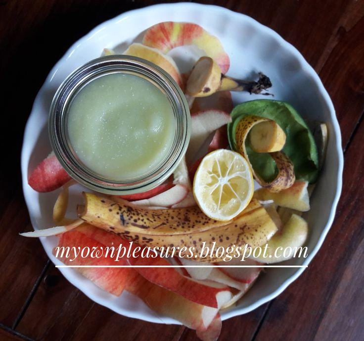 zielony koktajl z olejem kokosowym i awokado