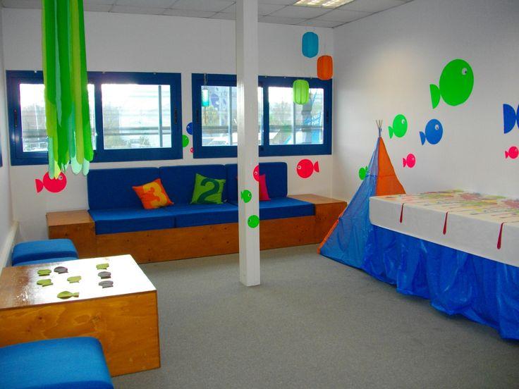Sala dos Peixinhos: Divertida sala, com uma linda decoração que faz lembrar o fundo do mar. Esta é a sala onde pode fazer o lanche de Aniversário do seu filho na Marina Parque das Nações!