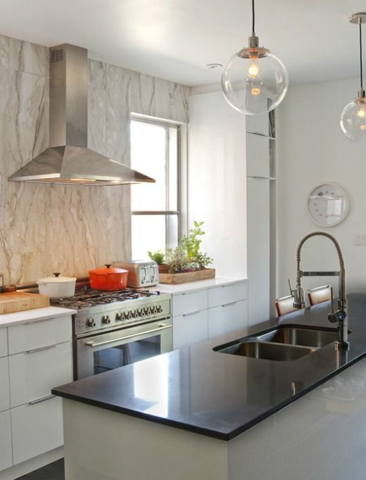 marble and white, globe lights #kitchen