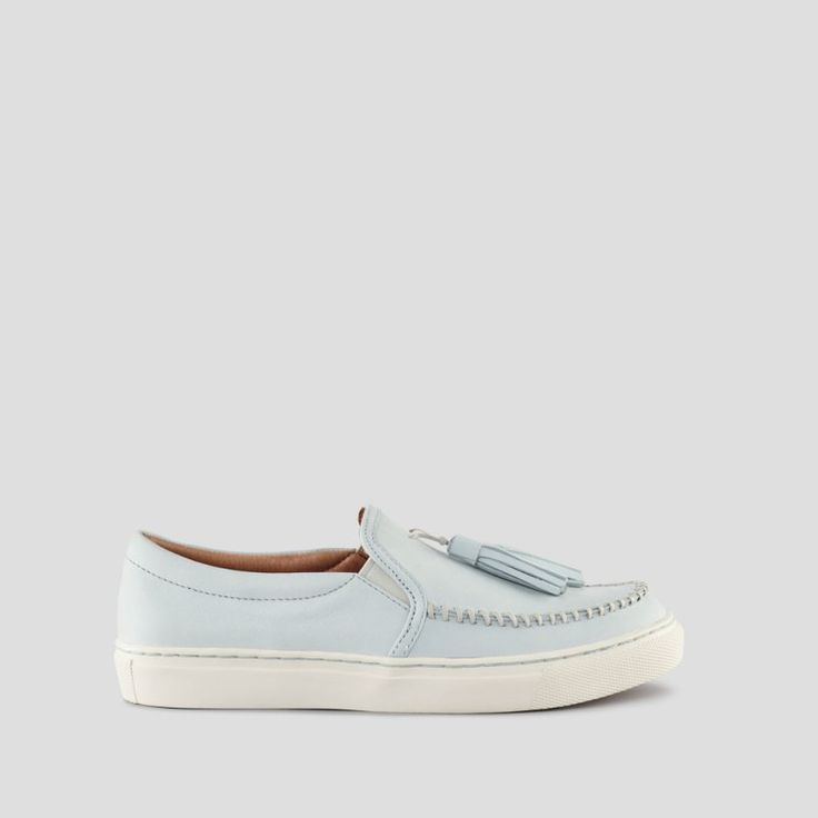 Cougar Shoes product image: Fresca Leather Tassel Loafer