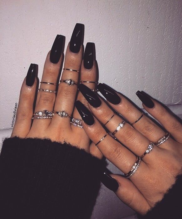 Shared By K R I S T I N A Find Images And Videos About Cute Beautiful And Style On We Heart It The App Black Acrylic Nails Edgy Nails Coffin Nails Long