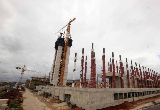 Alger (Algérie), le 2 avril. Pilotée au départ par un bureau d'études allemand, la gestion du chantier a été confiée ensuite à un conglomérat algéro-chinois.
