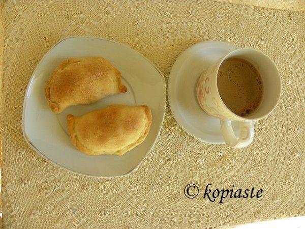 Kolokotes (pumpkin pie) with Greek Coffee /  Κολοκοτές (κολοκυθοπιτάκια)  http://www.kopiaste.info/?p=70