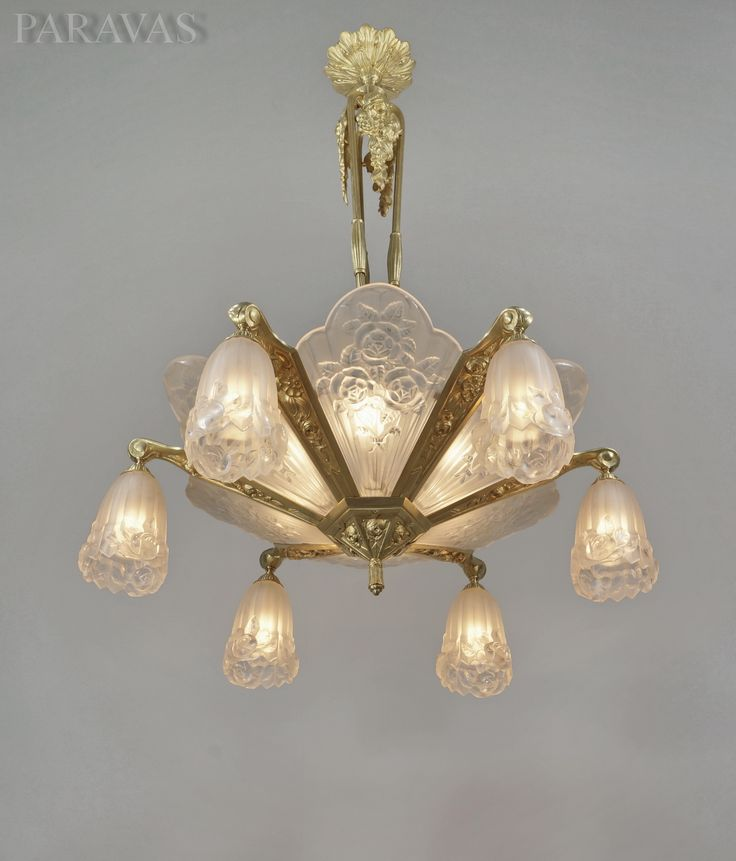 Pierre gilles french 1930 art deco chandelier in gilt bronze and molded pressed glass