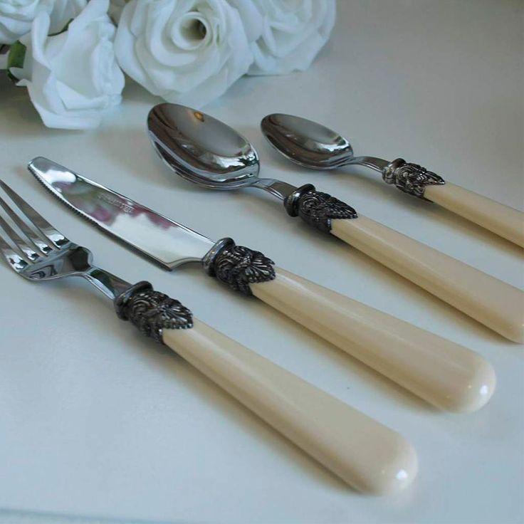 Cream Ornate Cutlery Set