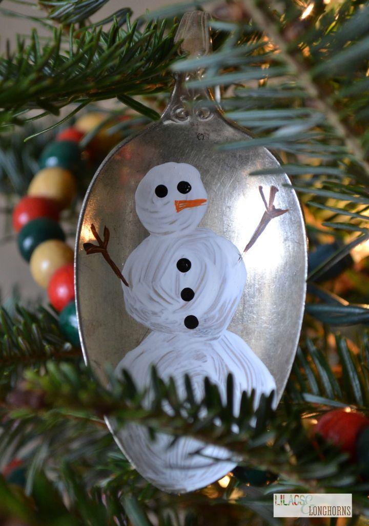 Vintage DIY spoon ornaments- a fun Christmas gift!