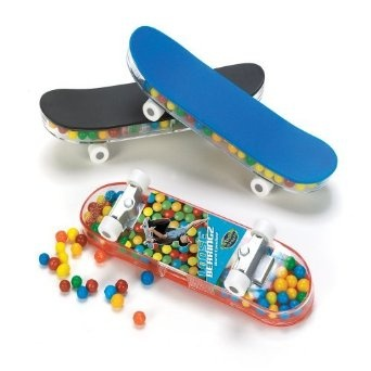 Candy-Filled Skateboard Party Supplies: Amazon.co.uk: Toys & Games