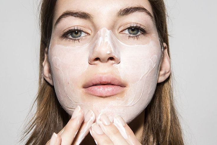 You don't have to suffer for the rest of your life with large pores. The following remedies will help you reduce pore size.