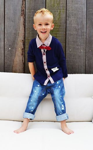 Truitje in grijs of blauw €20 Unieke jongenskleding van sennes.nl  #babyfashion #kidsfashion #kidsclothing #fashionkids #kidsfashion #stylishbaby #stylishkids #boysclothing #boyswear #kidswear #boysfashion #fashionableboys  #fashionablekids #stylishkids #coolhair #kidspompadour #boyshaircut #haircutboy #communiekleding #bruidsjonker #bruiloft #Partyoutfitboys