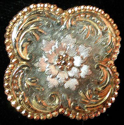 4-LOBED ANTIQUE QUATREFOIL LACY GLASS BUTTON.