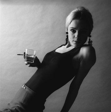 Edie Sedgwick, 1960From Women Then: Photographs 1954–1969, Jerry Schatzberg, Rizzoli, 2010