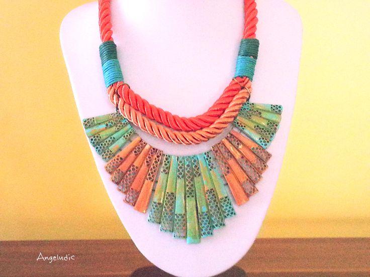 collier plastron , cordons tressés ,multicolore, éléments en échelle peint à la main , très tendance . : Collier par angeludic