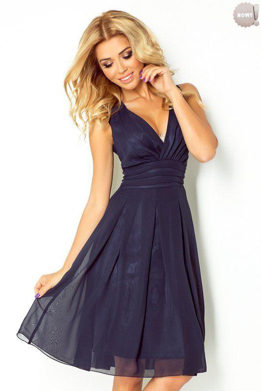Granatowa, zwiewna sukienka szyfonowa na podszewce. #sukienka #krótka #elegancka #granatowa #zwiewna #kobieta #moda #trendy
