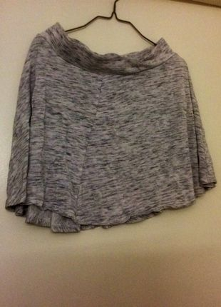 A vendre sur #vintedfrance ! http://www.vinted.fr/mode-femmes/jupes-patineuses/18175108-jupe-grise-tachete-noir