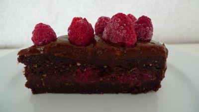 Rå sjokoladekake med bringebær