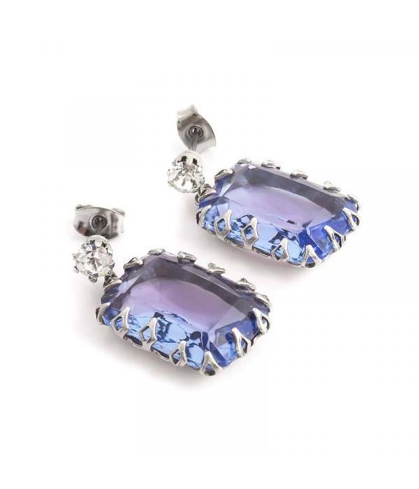 De Luxe Blauw paarse oorbellen met grote rechthoekige steen