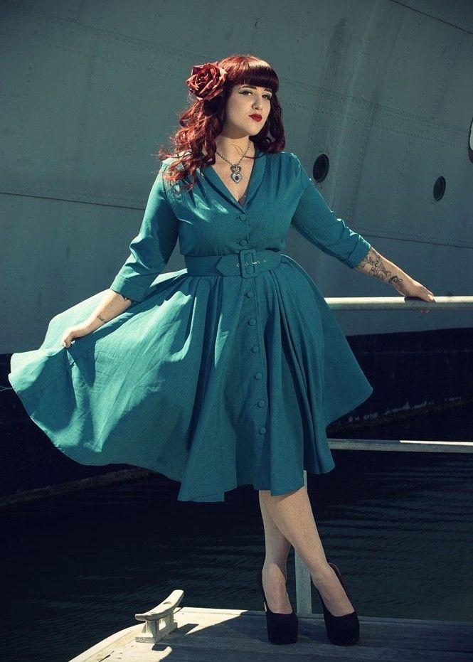 Smuk 1940'er - 1950'er inspireret kjole med masser af vidde i skørtet og lange ærmer fra Heart Of Haute (1.599 kr)