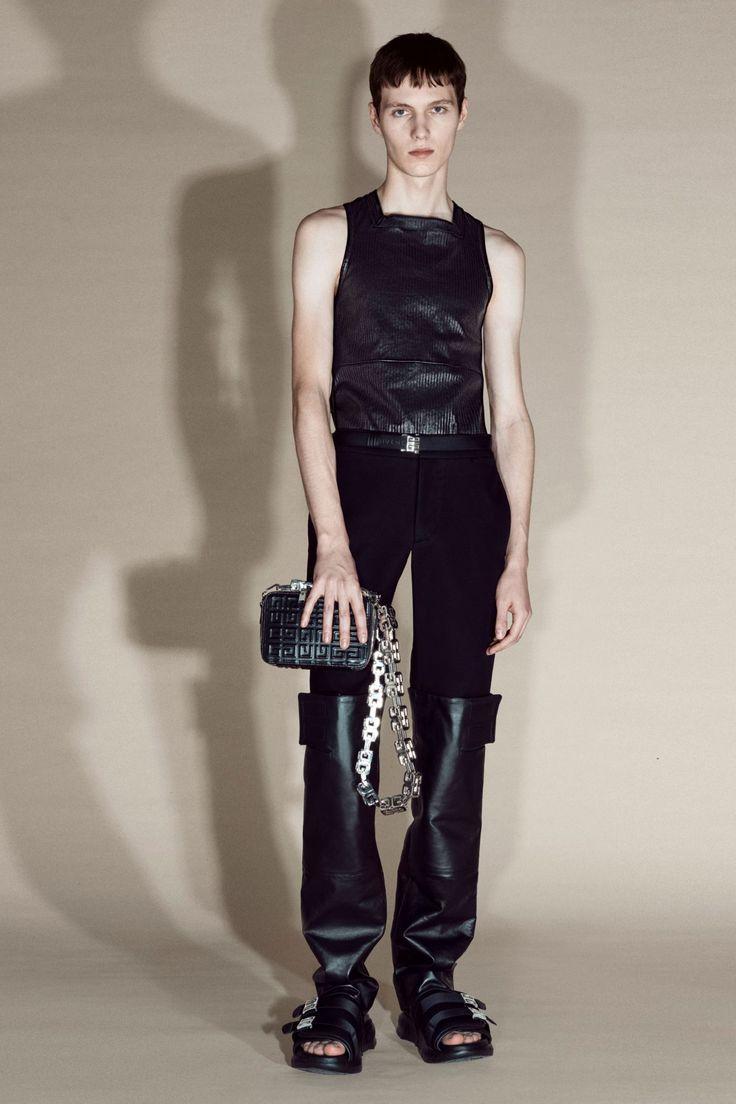 Givenchy Pre-Fall 2021 Collection Men's Fashion, Fashion Week, Fashion Beauty, Fashion Show, Fashion Details, Paris Fashion, Fashion Trends, Vogue Paris, Givenchy Paris