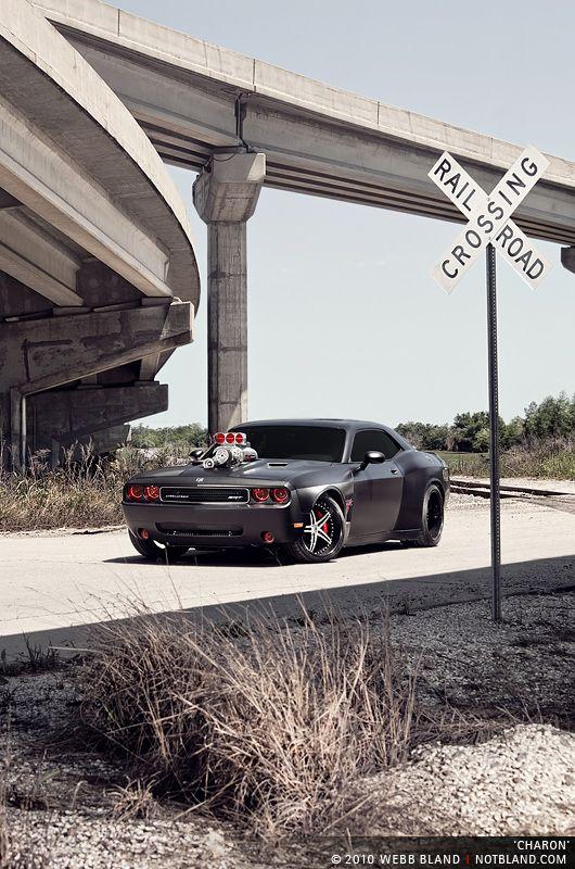 Dodge Challenger SRT8.