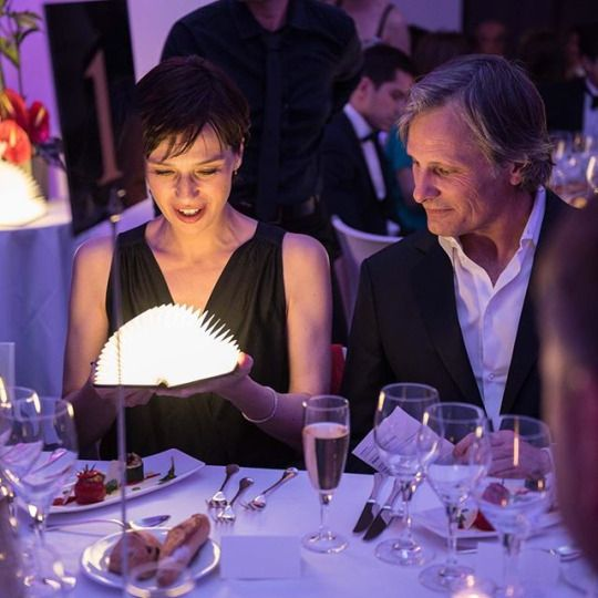 Ariadna Gil and Viggo Mortensen at the Pierre Angénieux Excellens in Cinematography award ceremony during the Cannes Festival. Photo: Pauline Maillet.