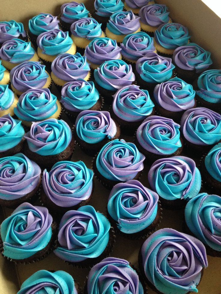 Awesome! Theyre even our wedding colors! I might want marble cake tho, or half vanilla and half chocolate... Purple and turquoise wedding cupcakes