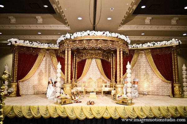indian wedding mandap gold decor http://maharaniweddings.com/gallery/photo/12006