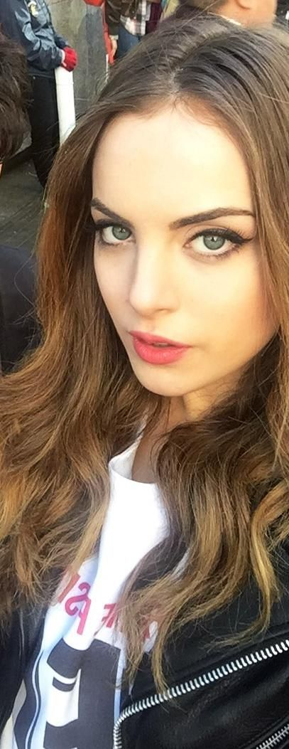 Elizabeth Gillies at the Women's March in Washington D.C.