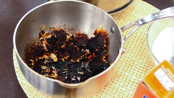 how to clean burnt utencil