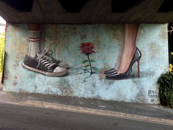 Igualdade / Equality Memorie Urbane Festival Formia, Italia 2015  feet, pes, shoes, tenis, sapato, sneakers, kicks, flower, flor, Christian Louboutin, all star, converse, azul, turquesa, turquoise, pintura, painting, mural, street art, muralismo contemporâneo, contemporary muralism, apolo torres