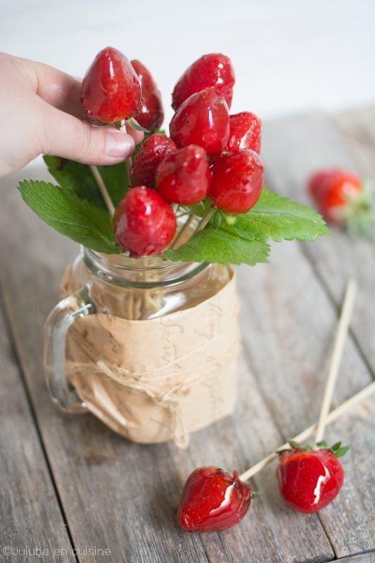 Bouquet de fraises, façon pomme d'amour