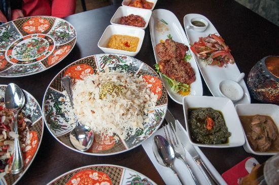 ZAHER   Maak een uitstap naar het Midden-Oosten en ontdek de Afghaanse keuken bij Zaher. De Afghaanse keuken is een smaakvolle verrassing. De gebruikte ingrediënten, kruiden en bereidingswijzen zijn voor velen een nieuwe ervaring.   Orthenstraat 87, 5211 SW   www.zaher.nl