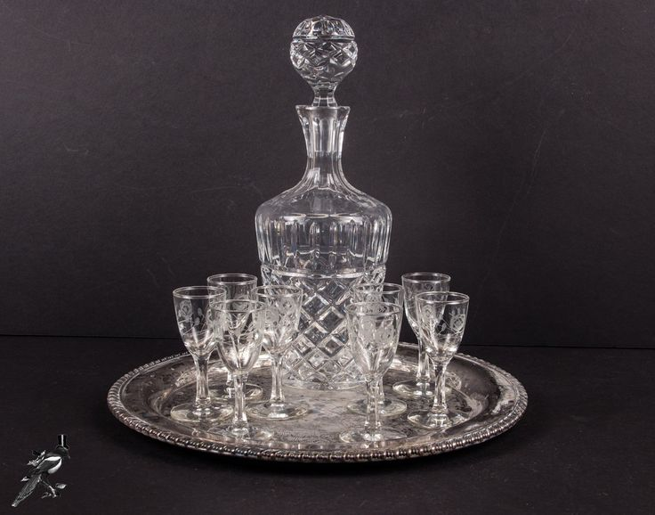 Thecordialmagpie On Etsy Vintage Barware Set 8 Cordial Sherry Liquor Glasses Crystal Decanter