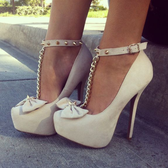 Bow And Chain Spiked Platforms ♡
