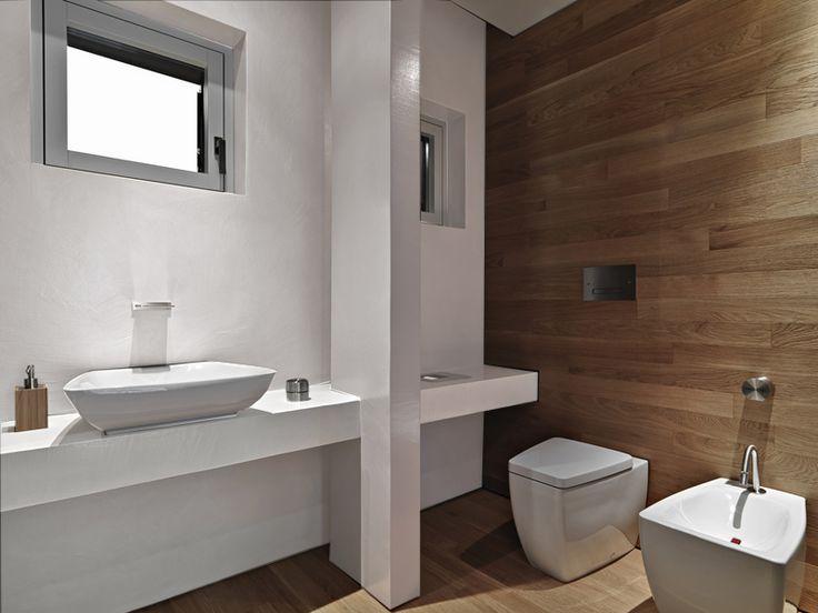 Drewno w łazience sprawdza się tak samo dobrze, jak nasze farby Beckers Designer Kitchen & Bathroom 😊 Prawda, że takie połączenie prezentuje się pięknie?