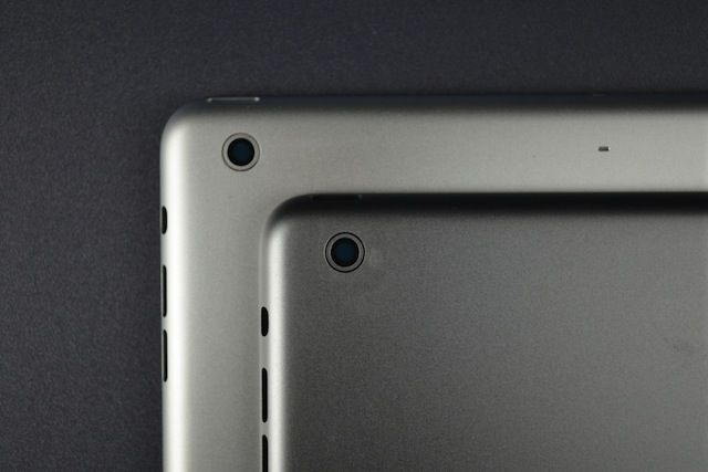 Purported space gray iPad 5 rear housing seen in high resolution pictures - http://vr-zone.com/articles/purported-space-gray-ipad-5-rear-housing-seen-high-resolution-pictures/59757.html