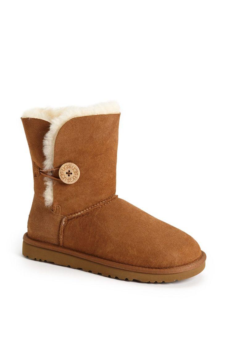 UGG® Australia 'Bailey Button' Boot (Women) - size 9 in chestnut suede