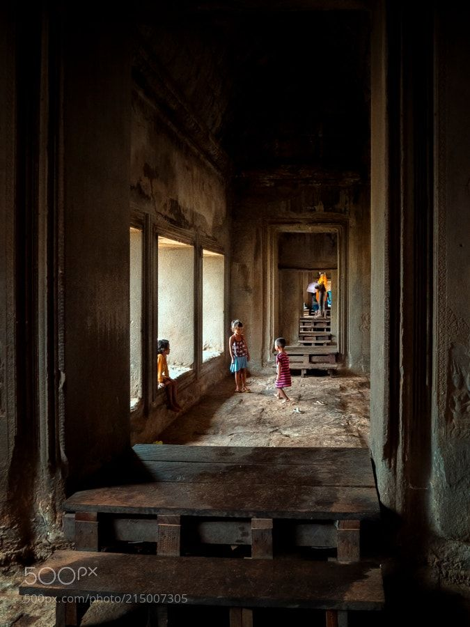 'Games at the Palace by anaolgagarcia from http://500px.com/photo/215007305 - While the heat and the tumult of people diminished I entertained myself in the main Palace of Angkor with these children playing as if they were in the living room of their house...------------------------------------------------------------------------------------------------- Mientras el calor y la marabunta de gente aminoraban me entretuve en el Palacio principal de Angkor con los juegos de éstos niños talmente…