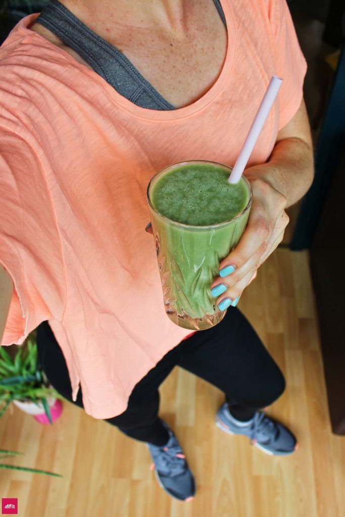 """Post Workout Green Smoothie. Grüner Smoothie mit Energie Zutaten nach dem Sport oder zum Frühstück. Frühstücksersatz, Beitrag """"Trendgetränk Grüne Smoothies: Neues vom Mixer"""", für Grüner Smoothie-Neulinge, Green Smoothie Recipes, schnelles Green Smoothie Rezept zum Mixen auch für Kids geeignet, Grüner Smoothie für Kinder, Healthy Green Smoothie für eine Clean Detox Kur, Energy und Weightlos. #cleanse Green Smoothie für eine reine Haut #Skin"""